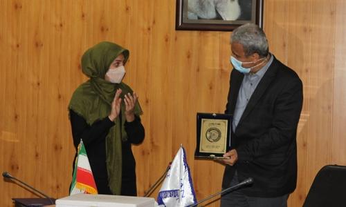 اعطاء نشان خدمت اداره سلامت شهرداری تهران به رویان